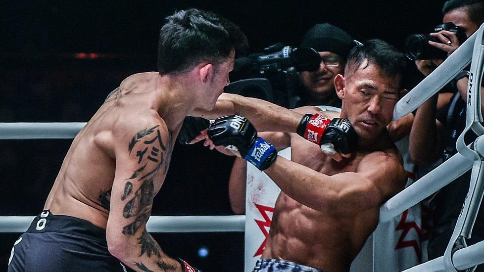 Những đòn combo knock-out ấn tượng của UFC