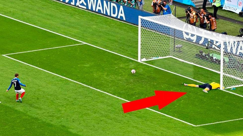 Cú đá penalty siêu nhẹ nhưng quá khó với thủ môn