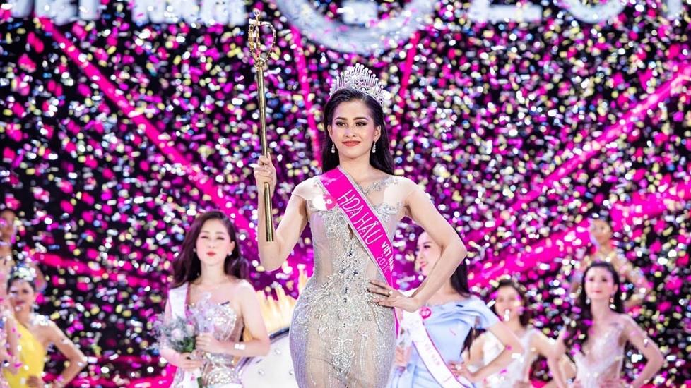 Tân Hoa hậu Việt Nam 2018 gây thất vọng khi đối thoại trước đám đông