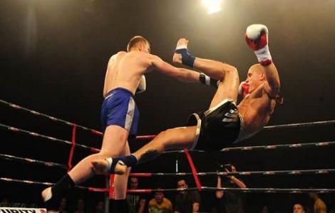 Trận đấu Muay Thai điên rồ mà bạn không thể bỏ lỡ
