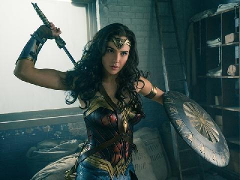 'Wonder Woman' – Nữ siêu anh hùng khiến cánh mày râu phải 'ngả nón'