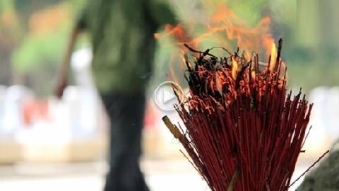 Nếu bát hương nhà bạn vô tình bốc cháy...?