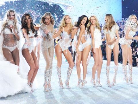 Toàn cảnh show diễn nội y 'đốt mắt' người xem của Victoria's Secret