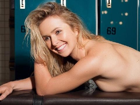 Elina Svitolina nóng bỏng trên trang nhất tạp chí XXL