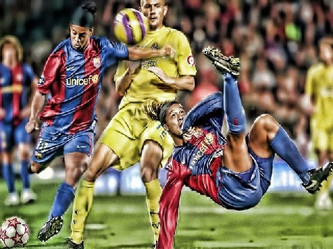 10 bàn thắng đẹp nhất trong sự nghiệp Ronaldinho