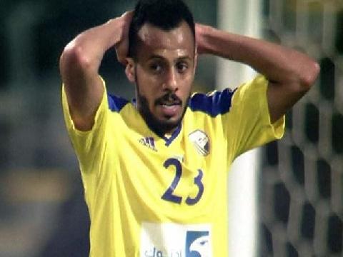 Cầu thủ UAE nã pháo tầm xa vào thẳng... lưới nhà