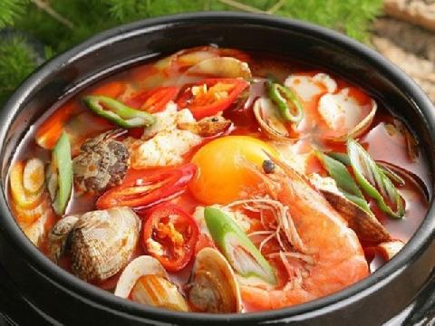 Cách nấu lẩu Thái chua cay ngon như ngoài hàng
