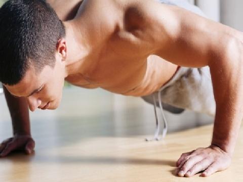 Hướng dẫn phái mạnh tập plank kết hợp chống đẩy