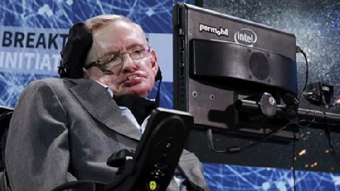 Lời khuyên của Stephen Hawking dành cho các con