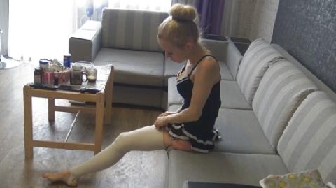 Tinh thần sống lạc quan của cô gái bị khuyết một chân