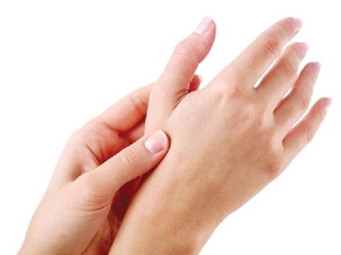 Đừng bẻ khớp ngón tay nữa!