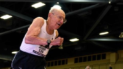 Cụ ông 100 tuổi lập 5 kỷ lục chạy đua thế giới