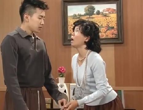 [SLN Korea] Bà mẹ ngớ ngẩn