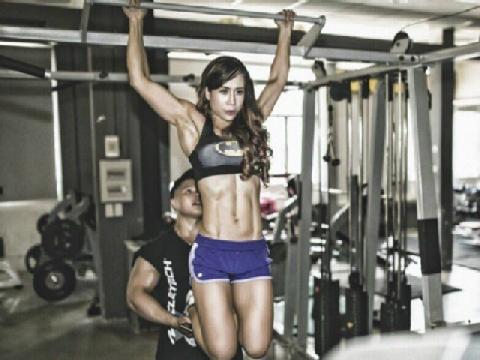 Bà mẹ hai con tràn đầy sức sống sau 6 năm tập gym