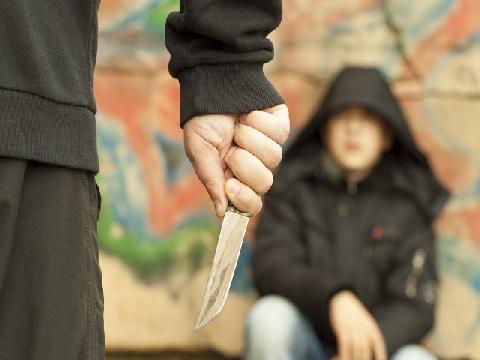 Tay không chống dao: Tưởng tượng và thực tế