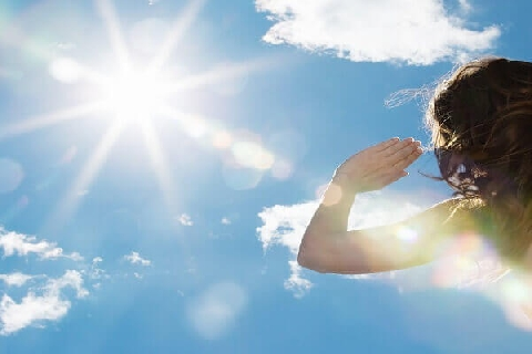 Phải làm gì khi bị say nắng?