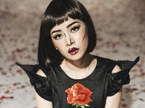 Hé lộ clip Chi Pu lần đầu hát live 'Đóa hoa hồng'