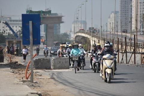 'Thiên la địa võng' ở đại công trường Vành đai 3 rình rập người đi đường