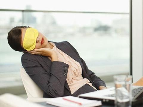 4 mẹo đơn giản để tỉnh táo sau giờ nghỉ trưa