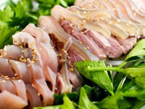 Gây thương nhớ với thịt dê ủ trấu ngon không tưởng