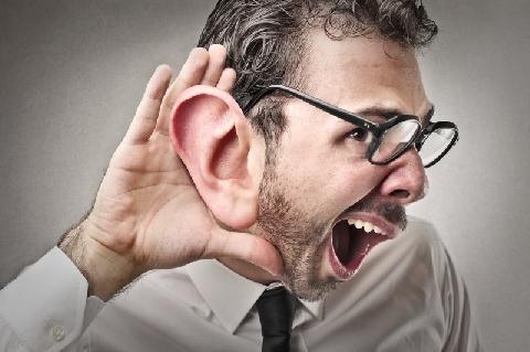 Tai trái hay tai phải nghe rõ hơn?