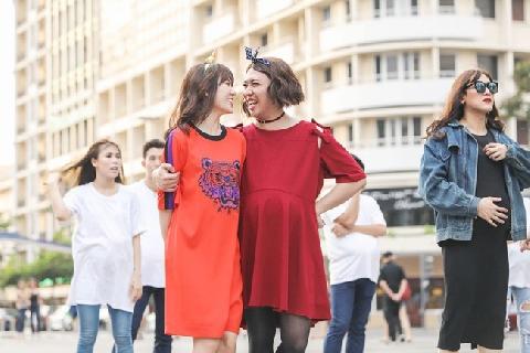 [Chế] Trấn Thành mặc váy đanh đá chèn ép vợ