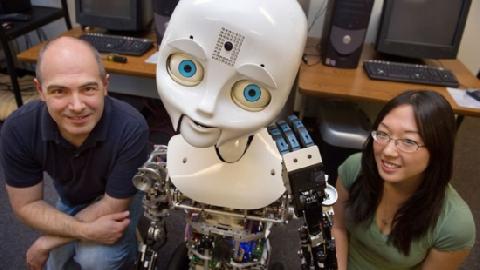 10 ROBOT Người Máy Tuyệt Vời Sẽ Khiến Bạn Ngạc Nhiên