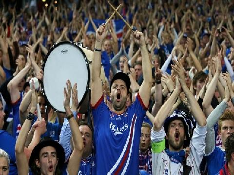 Choáng ngợp trước màn cổ vũ điệu Viking của Iceland ở World Cup 2018