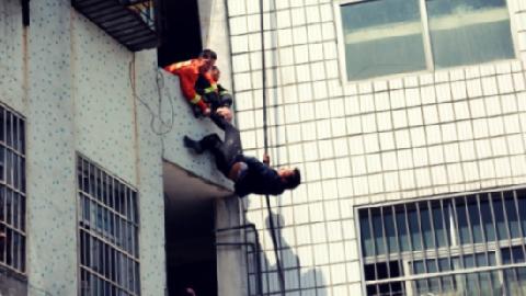 Gãy lưng vì hứng người nhảy lầu tự tử