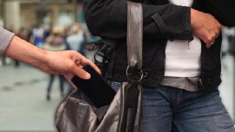 Trộm điện thoại bị bắt tại trận đánh hội đồng bầm dập