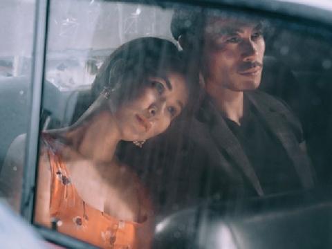 Uyên Linh đắm đuối bên nhân tình điển trai trong MV mới
