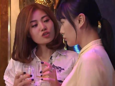Clip cảnh táo bạo về 'dạy' nghề mại dâm trong 'Quỳnh Búp Bê'