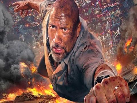 Thót tim xem The Rock đeo chân giả leo lên tòa tháp cao 244m