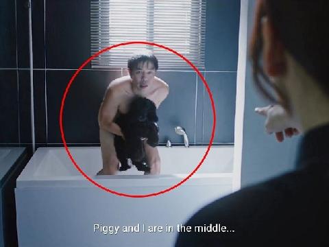 Há hốc mồm trước cảnh Thái Hòa 'không mảnh vải che thân' trong bồn tắm