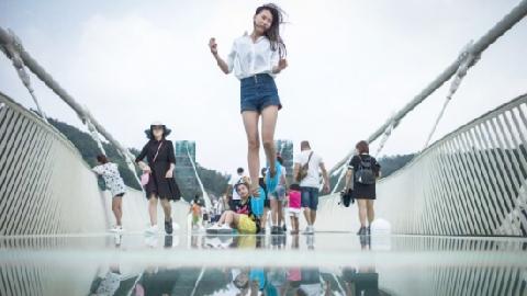 Những cây cầu kính nổi tiếng khắp thế giới
