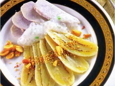 Đã miệng với món chè chuối cốt dừa Thái