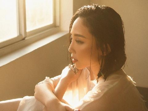 Mở đầu MV mới bằng cảnh giường chiếu, Tóc Tiên làm khán giả phát sốt