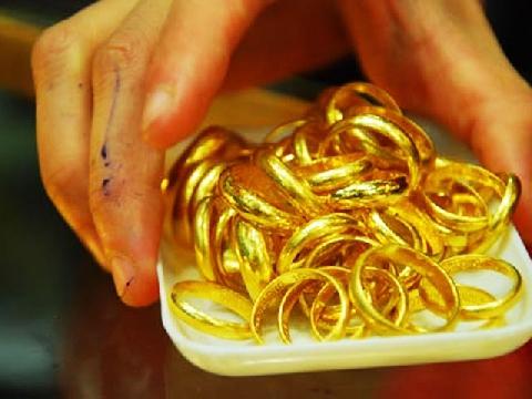 Vì sao người Việt kiêng mua vàng trong tháng cô hồn?