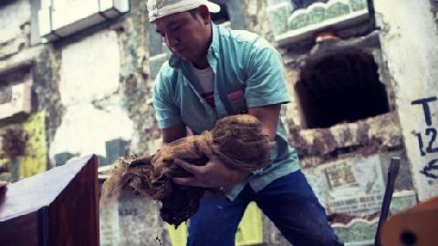 Tục 'Bốc Mộ' của người Việt