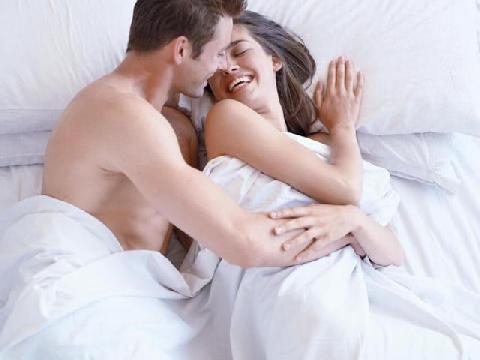 """Chồng tự nguyện """"nộp"""" 20 triệu đồng mỗi tháng cho vợ đi chơi, làm đẹp"""