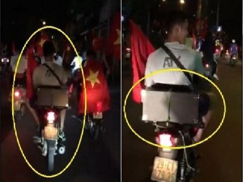 Thanh niên chở 'chị Google' đi bão mừng chiến thắng Olympic Việt Nam!