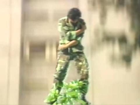 'Cạn lời' với cảnh phim hành động Việt Nam, nhảy từ tầng cao xuống vẫn không chết