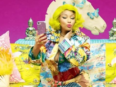BTS lại khiến cả thế giới chao đảo khi rủ Nicki Minaj hát rap cho IDOL