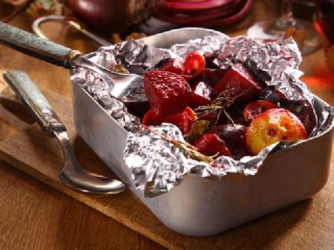 Dùng giấy bạc gói thực phẩm có nguy hiểm không?