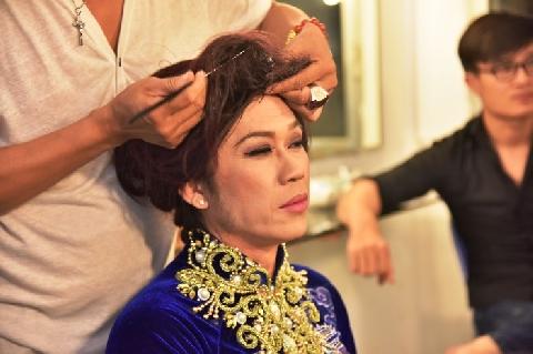 Hài Hoài Linh, Việt Hương: Chị Sui, Tôi Sui