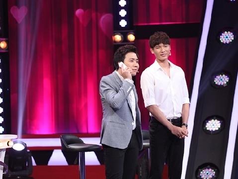 Trấn Thành cứng họng khi bị hỏi về nhan sắc của bà xã Hari Won
