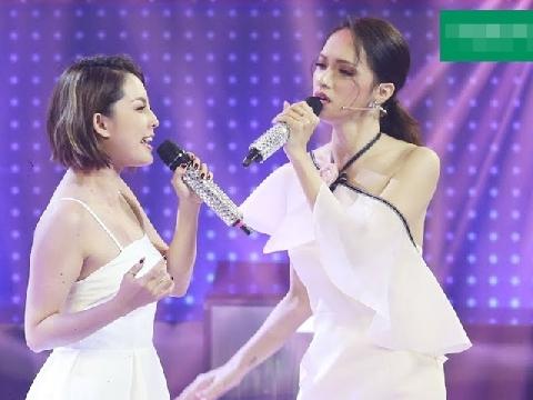 Hoa hậu Hương Giang ra sức chỉ đạo, hot girl vẫn hát lạc trôi siêu lầy lội