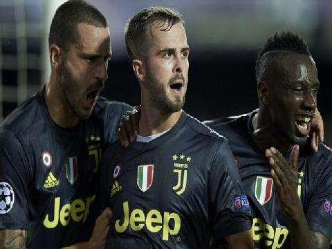 Valencia 0-2 Juventus (Bảng H Champions League)
