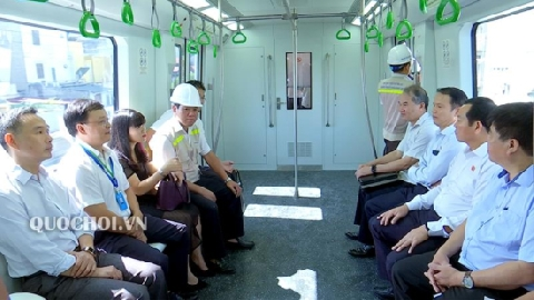 Bên trong tàu đường sắt Cát Linh - Hà Đông