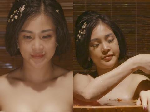 Sốc với cảnh tắm nude trong 'Tân Kim Bình Mai' bản Việt